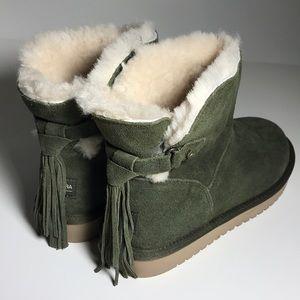 Koolaburra boot by UGG olive size 8